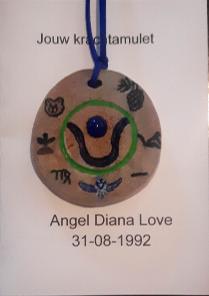 kaart-amulet-voorzijde-met-amulet